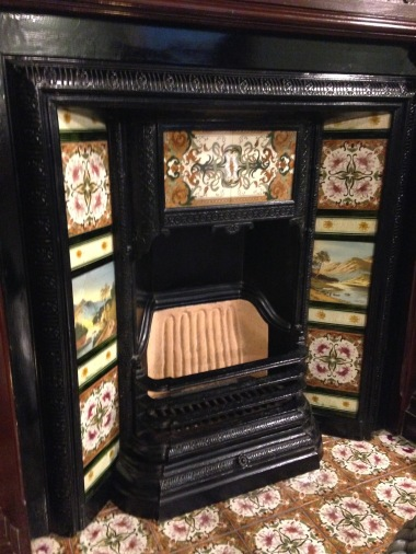 Moegi House fireplace, Kobe