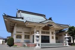 Quiet temple along the coast