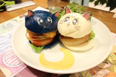 Cat burgers!